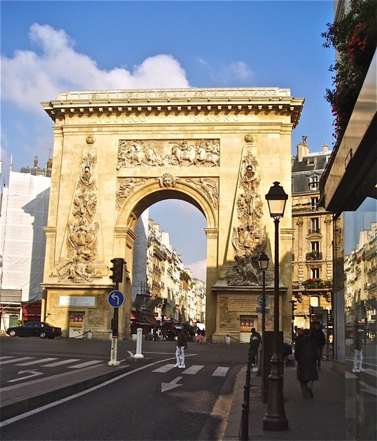 La Porte de St Denis. Paris.