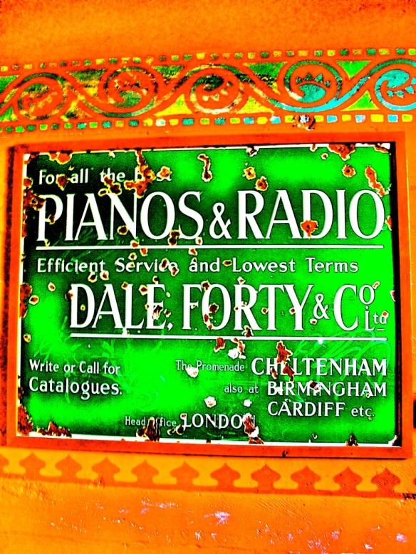 Pianos & Radio